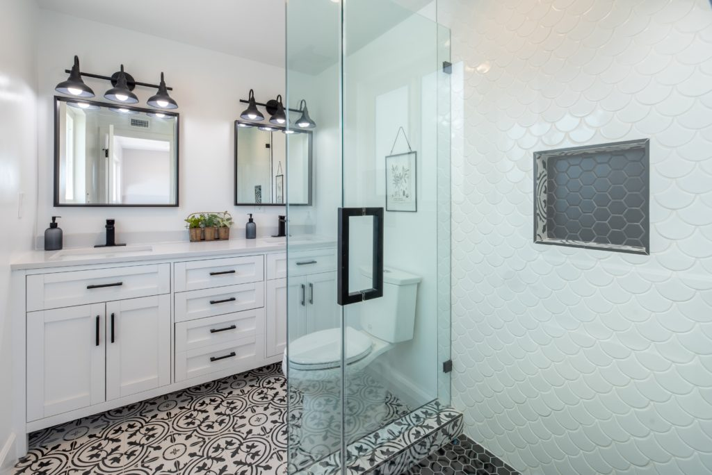 Newly remodeled bathroom by Sarasota bathroom and kitchen remodelers at ABC Plumbing Southwest.